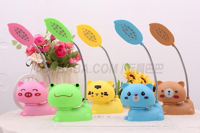 Brown bear pink pig yellow tights blue cat green frog rechargeable lamps