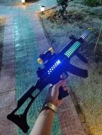 儿童电动玩具枪声光音乐发光八音枪小男孩玩具冲锋枪夜市批发